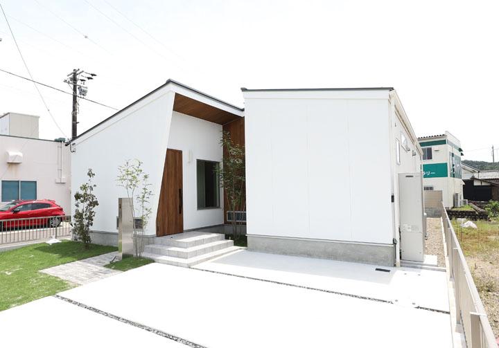 関市稲口壱町田 土地+建物 2,980万円 安桜小 / 桜ヶ丘中