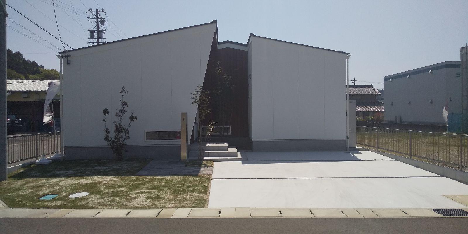 関市稲口壱町田 土地+建物 3,290万円 安桜小 / 桜ヶ丘中